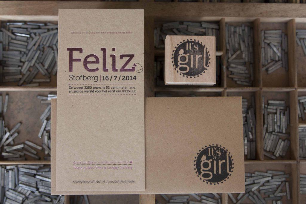 geboortekaartje letterpress folie roze en kraft goedkoop