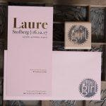 geboortekaartje letterpress foliedruk goud Laure. geboortestijl, geboortestempel It's a girl.