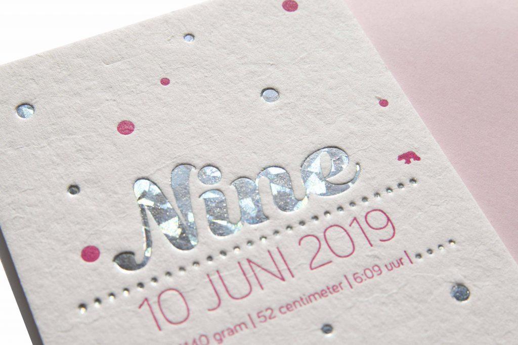 geboortekaartje letterpress folie zilver stippen Nine